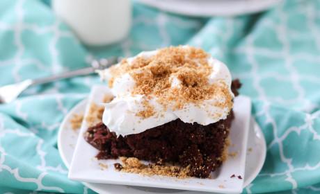 Chocolate Cream Pie Poke Cake