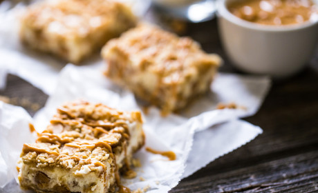 Oatmeal Crumble Peanut Butter Cheesecake Squares Recipe