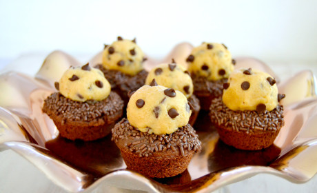 Chocolate Chip Cookie Dough Brownie Cups