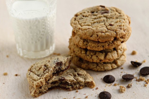 Almond Chocolate Chip Cookies: Filled with Toffee!