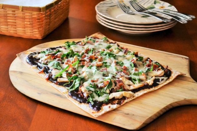 BBQ Chicken Flatbread: An Appetizer that Works as a Meal