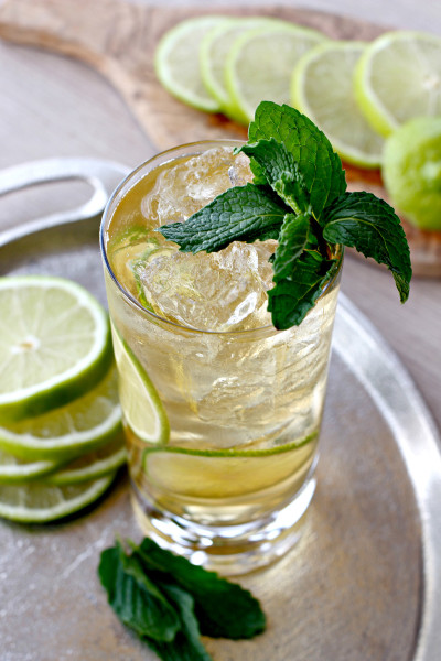 Gin and Gingerale cocktail